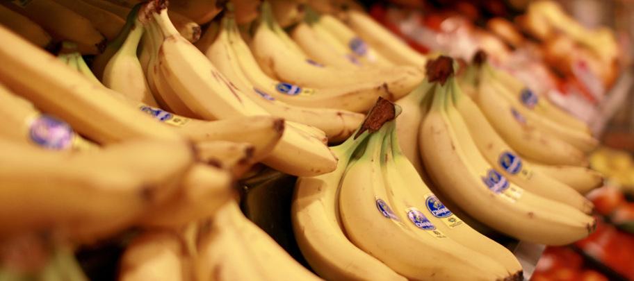 Der Regalpreis für Bananen im Supermarkt und regionale Unterschiede wurden mit einer Crowdworking-Erhebung untersucht.