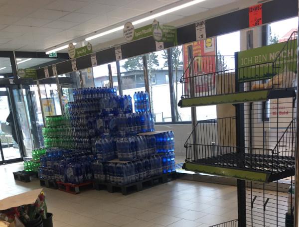 Begrenztes Wasserangebot bei Lidl nach Hamsterkäufen
